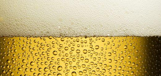 Aprenda como gelar a cerveja e o refrigerante bem rápido!
