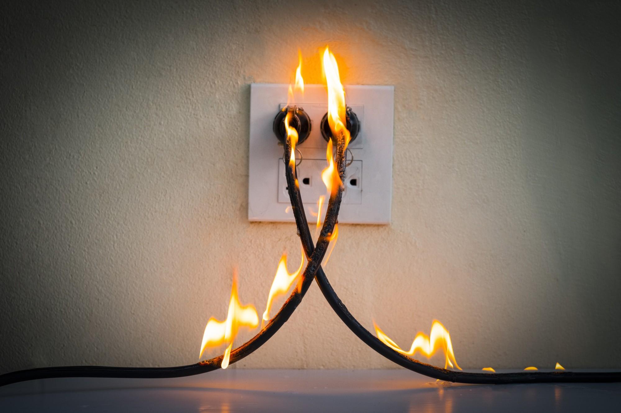 Curto-circuito de eletricidade