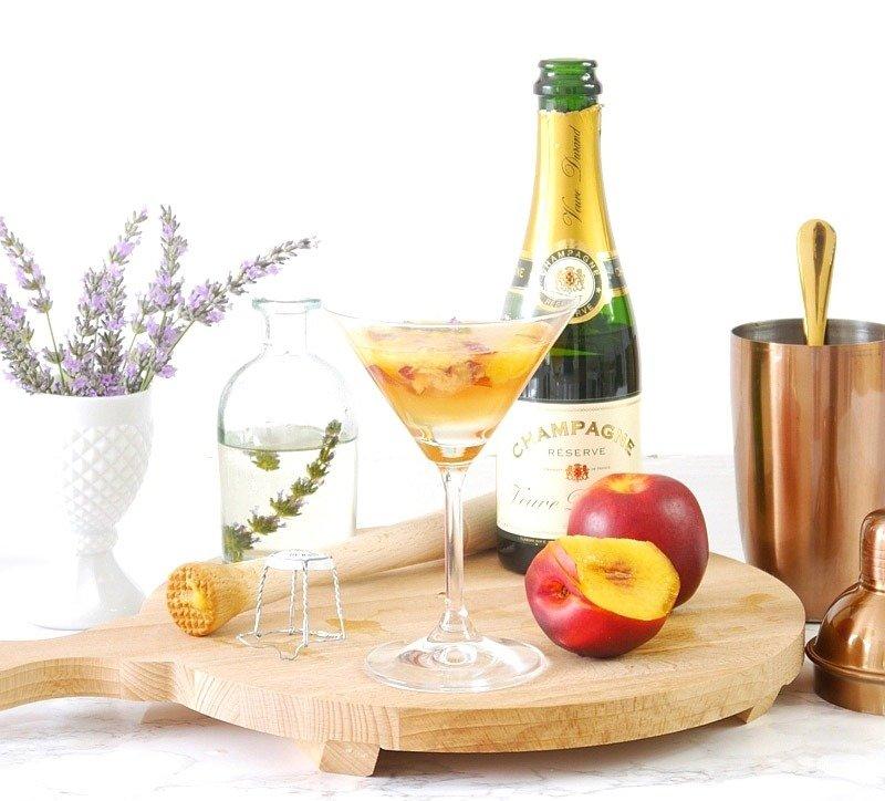 5 Receitas fáceis de drinks com champanhe