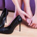 Atenção, solteiras! Não deixe que o salto alto e as sandalias desconfortáveis acabem com seu pé!