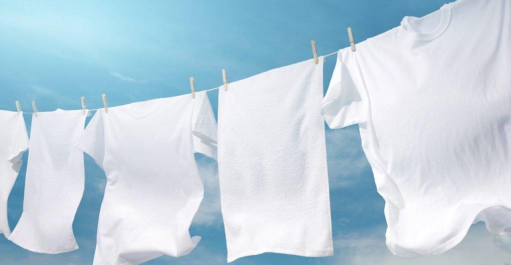 Como retirar o amarelado das roupas brancas