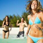 Como curtir a praia do verão sem destruir sua pele? Aprenda aqui!