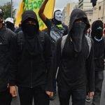 Unhas Black Bloc: quebre tudo nessa tendência!