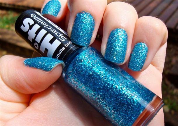 unha-azul-com-glitter