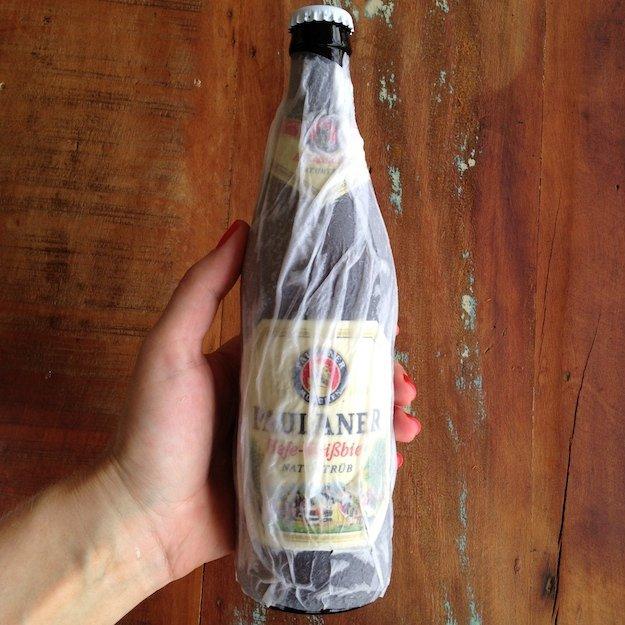 Como gelar cerveja rápido - Foto: SOS Solteiros