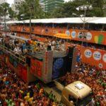 10 músicas que tocam em todo carnaval