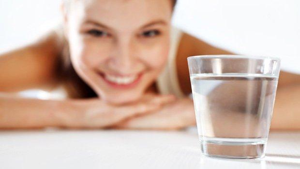 modelo-copo-agua-renato-dutra--size-620