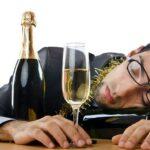 Ressaca de fim de ano: comeu ou bebeu demais? Veja nossas dicas!