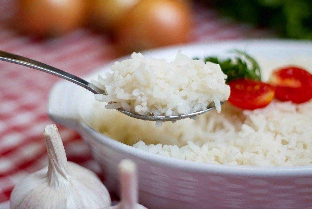 Como fazer arroz sem queimar ou ficar empapado