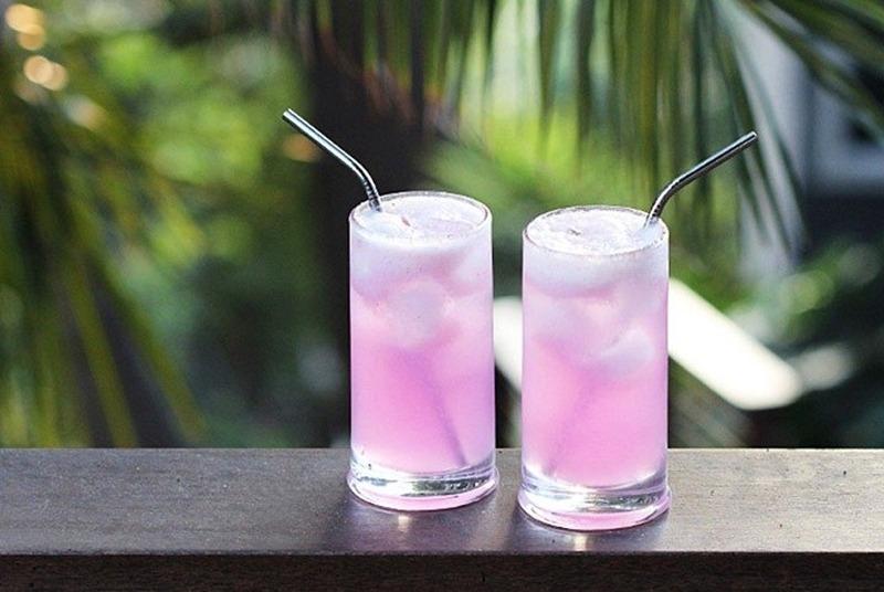 Refrigerante rosa