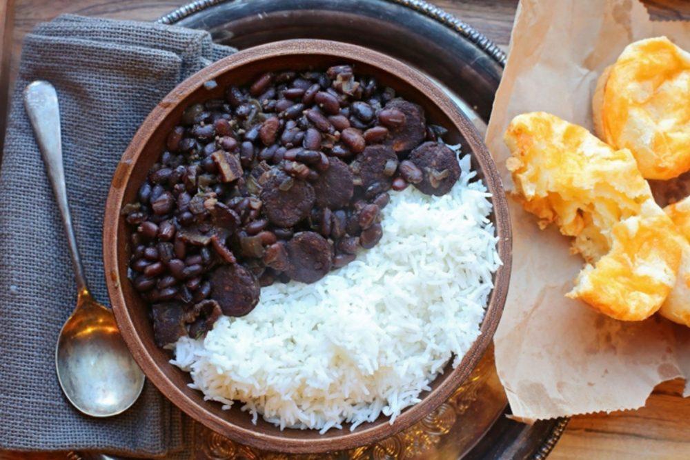 Comer arroz e feijão fora do Brasil