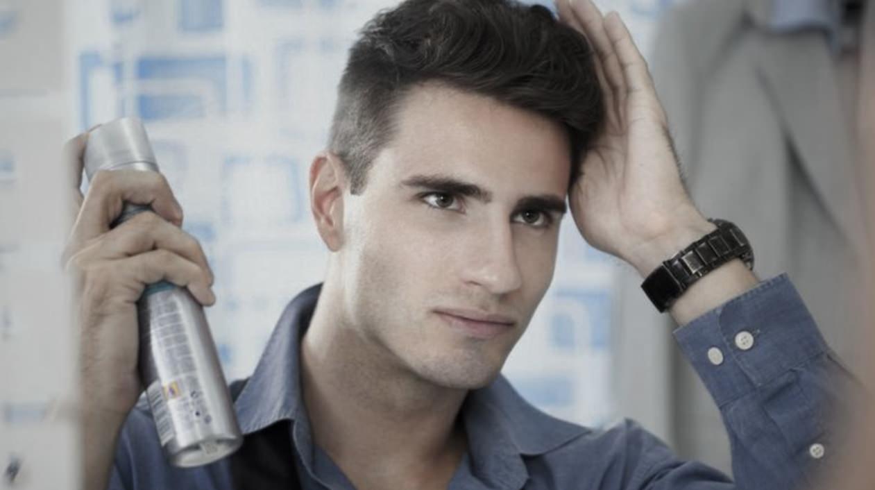 Quantidade spray fixador no cabelo