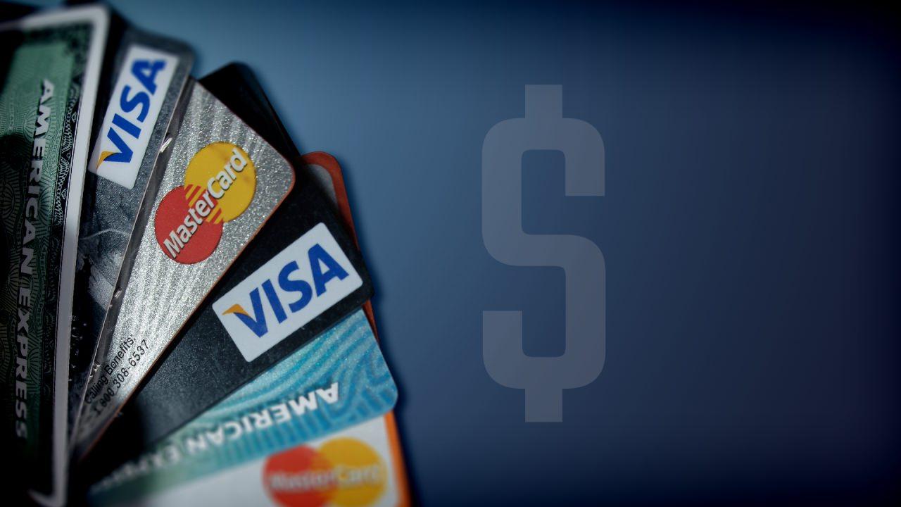 Cartões de crédito - evite gastos