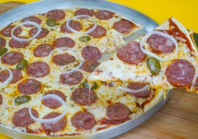 Receita de uma pizza de liquidificador: