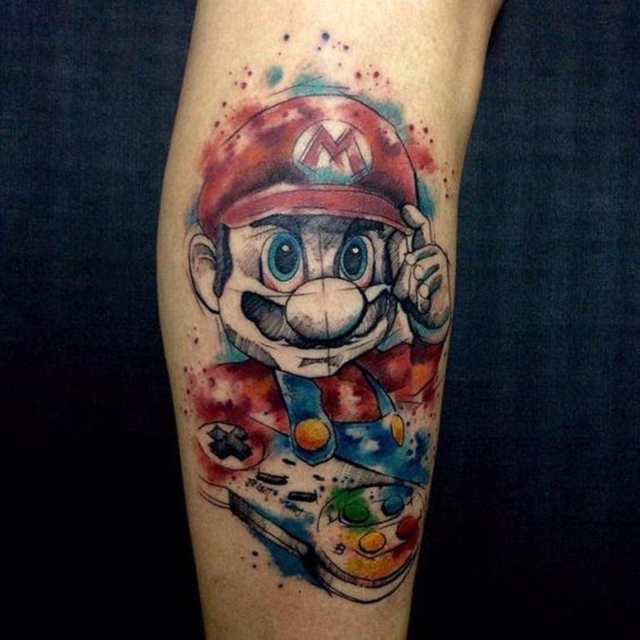 Tatoo no braço do Mario Bros