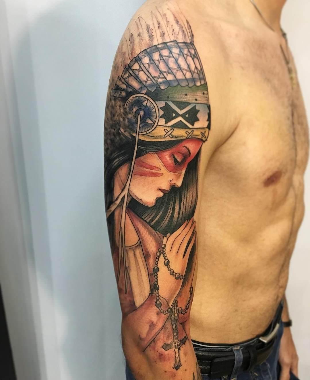 Tatoo de uma índia catequizada no braço