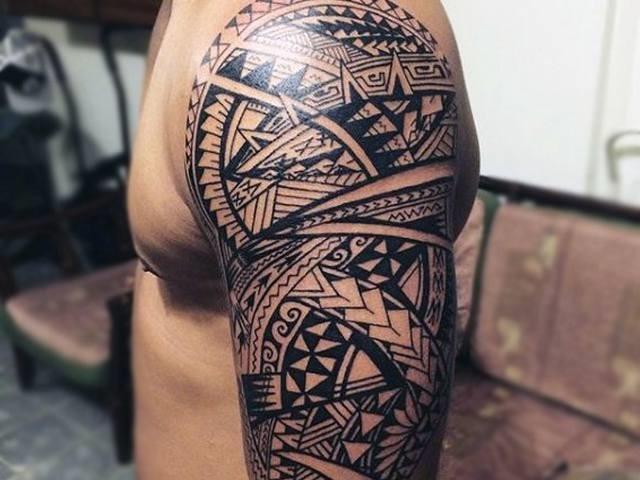 Tattoo Maori estilosa