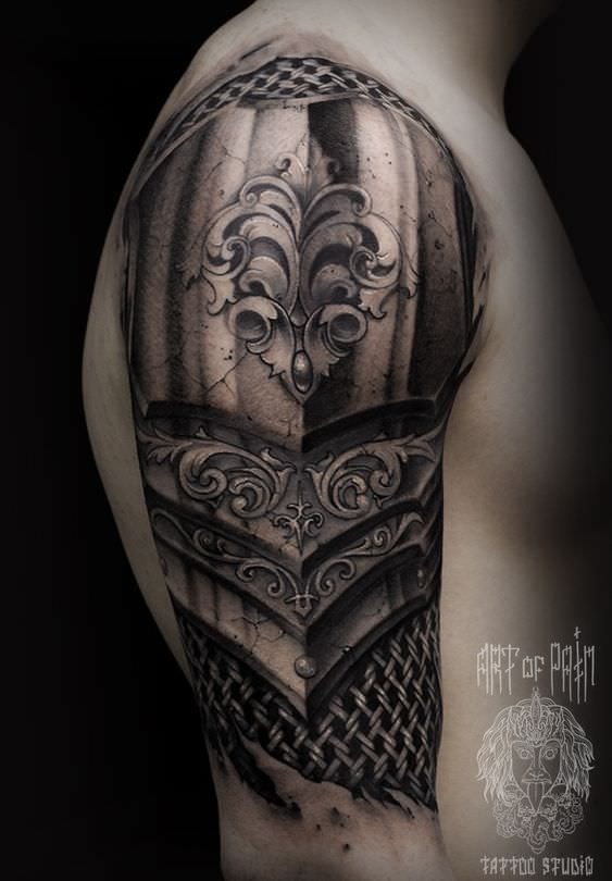 Tatoo medieval no braço