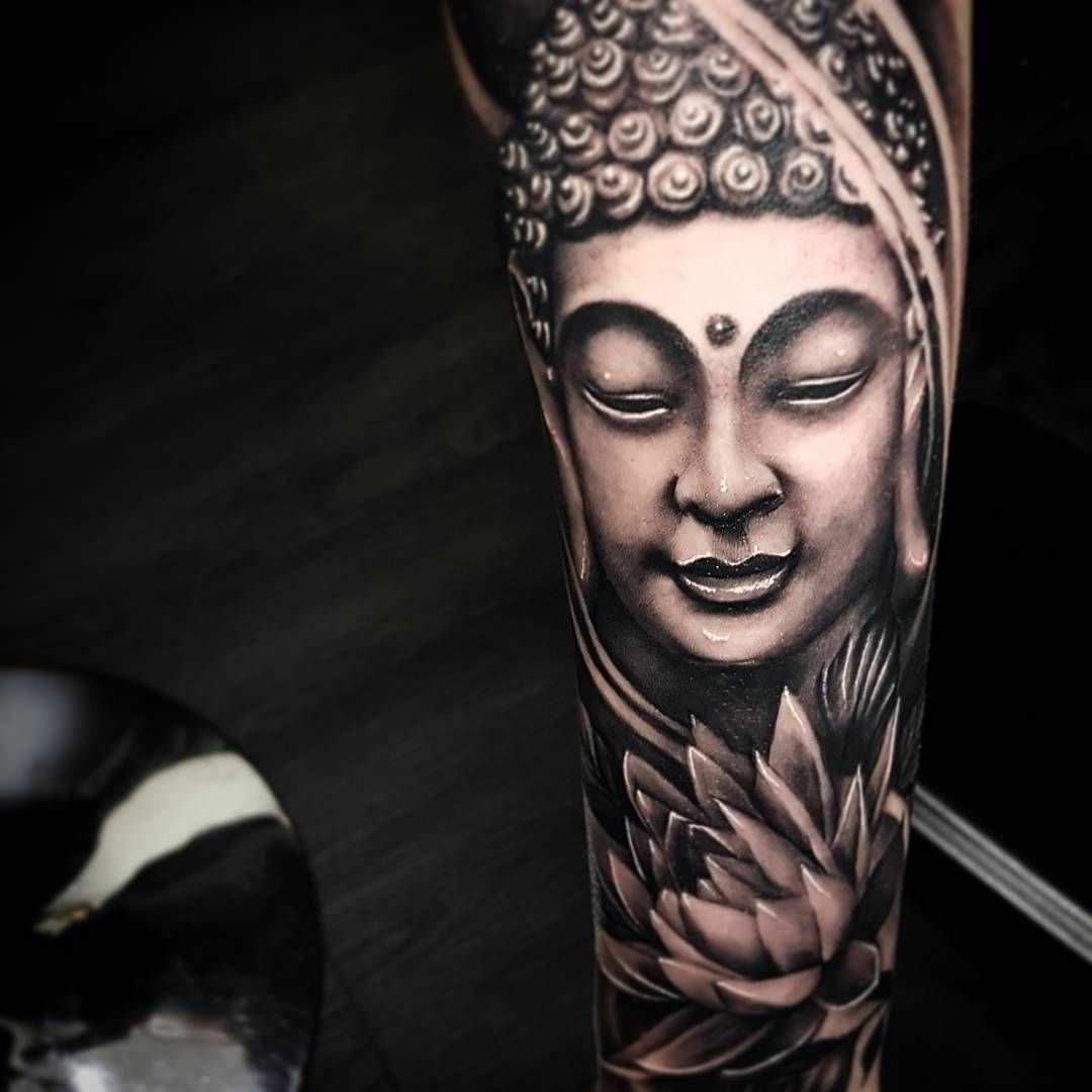 Tatuagem budista feita no braço