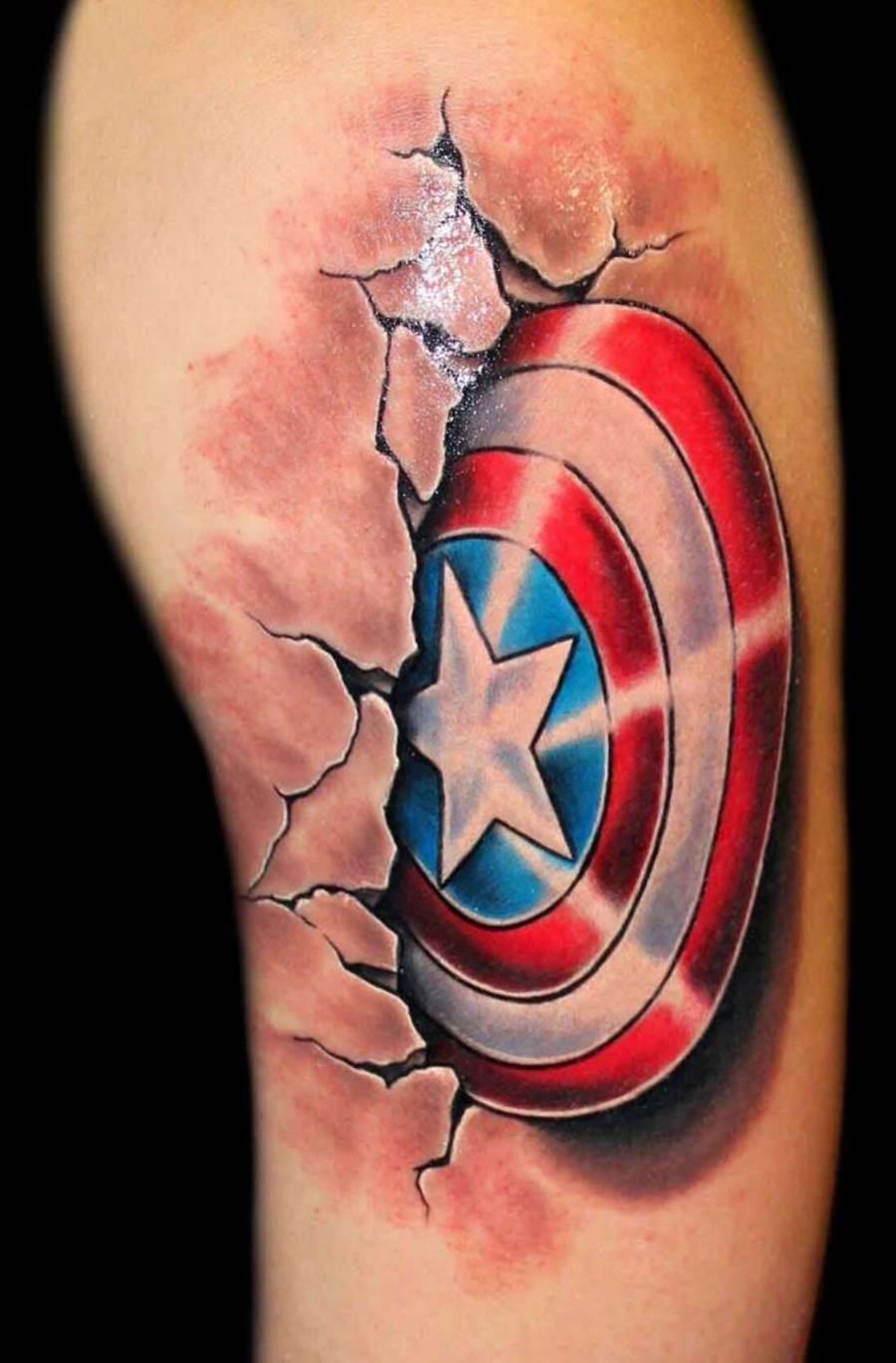 Tatuagem do escudo do Capitão América