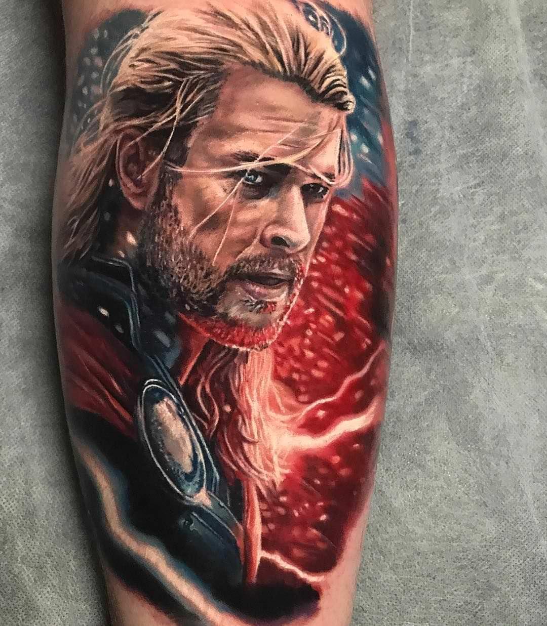 Tatuagem do Thor feita no braço