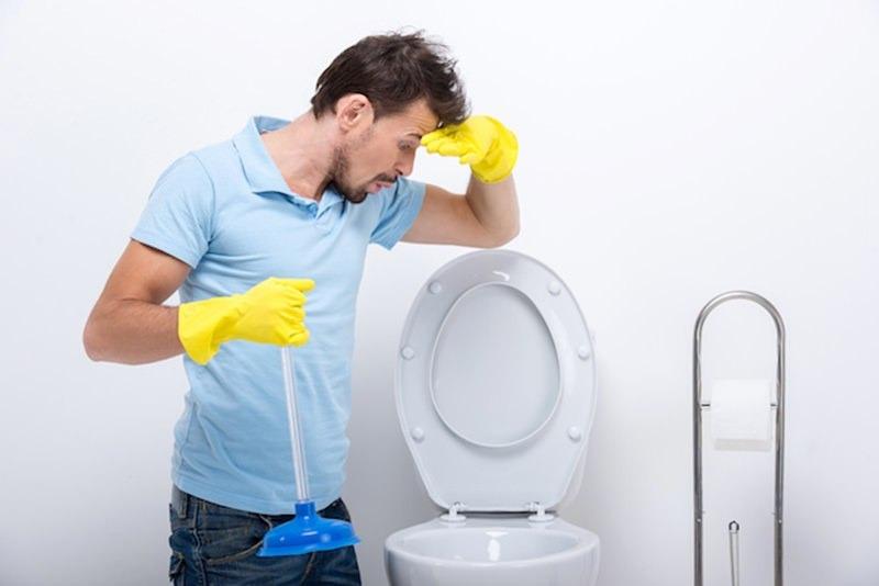 10 Dicas de como Desentupir um Vaso Sanitário