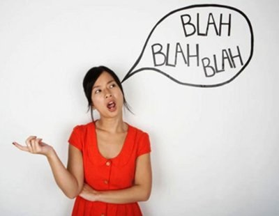 Falar sozinho é normal? Descubra!